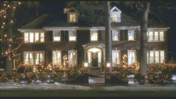 Home-Alone-movie-house-Christmas-lights